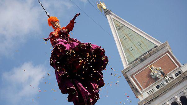 """""""El vuelo del Ángel"""" abre el carnaval de Venecia"""