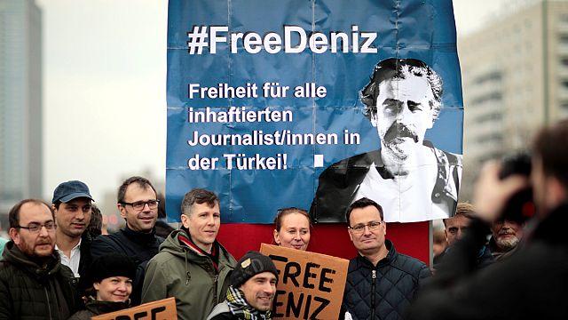#FreeDeniz - Autokorso für in der Türkei festgehaltenen Journalisten