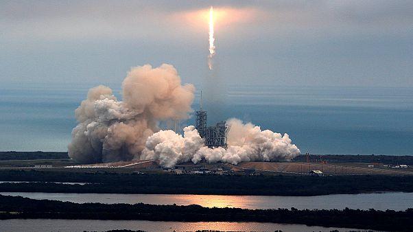 SpaceX: «Сокол» взлетел с «лунной» площадки