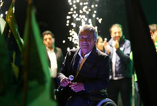 Leftist Moreno leads in Ecuador presidential election