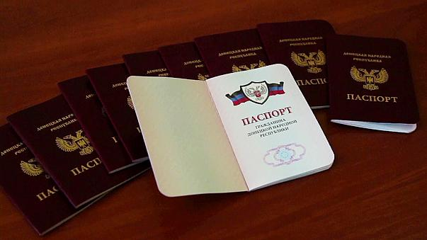 Diplomatische Aufregung: Russland erkennt Pässe aus abtrünnigem Donezk an