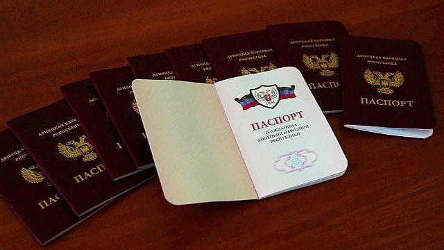 Los 'pasaportes' de las regiones separatistas enfrentan a Ucrania con Rusia