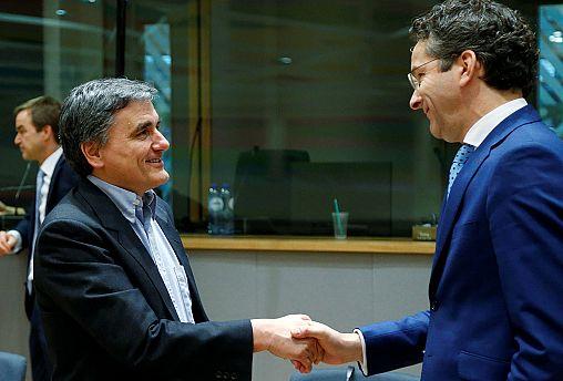 El Eurogrupo acuerda con Grecia diferir a 2019 nuevas reformas para desbloquear el tercer rescate