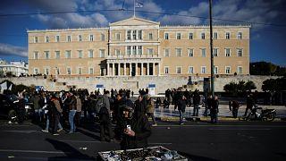 Breves de Bruselas: Grecia, la visita de Pence y la manifestación de los becarios