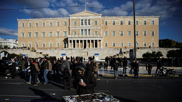 Breves de Bruxelas: Grécia, Mike Pence e estagiários