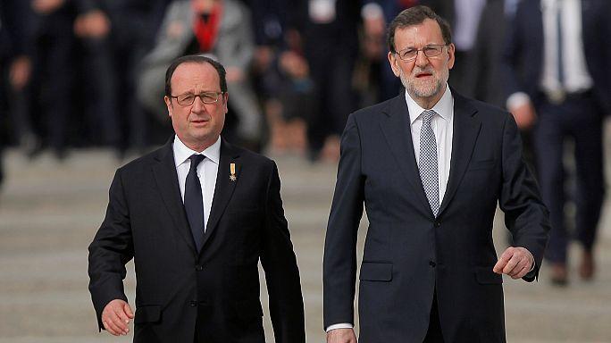 فرنسوا هولاند يهاجم الشعبوية والتطرف