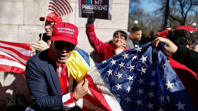 USA: Anti-Trump-Demonstranten in Feiertagsstimmung