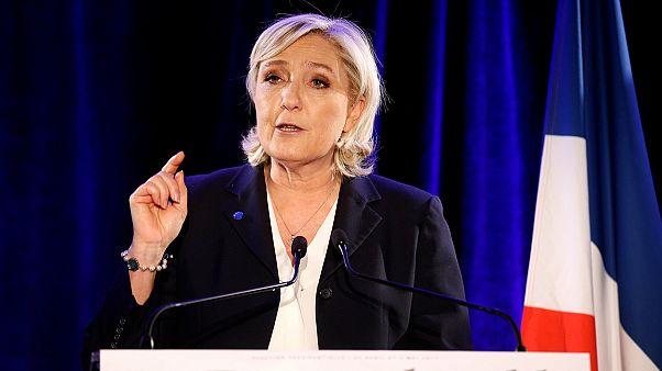 Марин Ле Пен отказалась надевать платок в Ливане