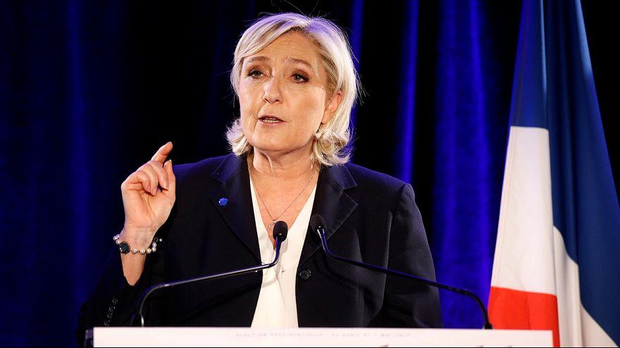 Le Pen'in Lübnan ziyaretinde başörtüsü krizi