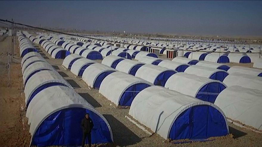 Sátorváros épült Moszul alatt a menekülőknek