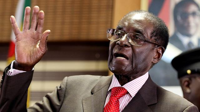 Мугабе 93, но места у руля Зимбабве он не покинет