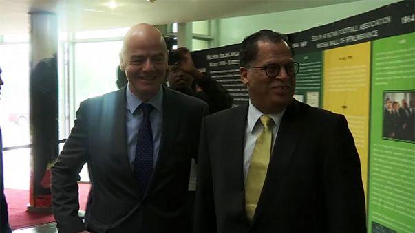 إنفانتينو يصل إلى جوهنسبورغ لعقد قمة مع رؤساء اتحادات كرة القدم في أفريقياok