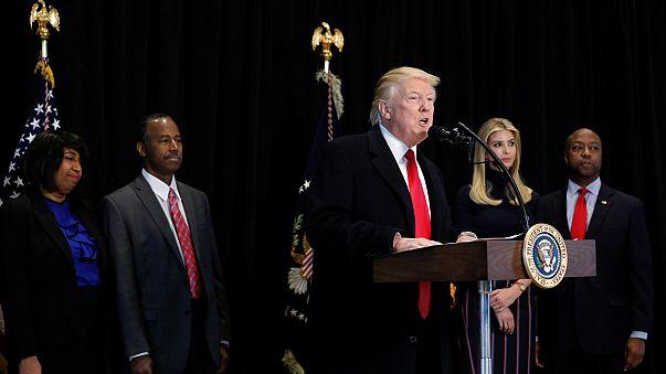 EUA: Donald Trump quebra o silêncio sobre ataques antissemitas