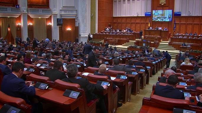 Romania's parliament backs move to bin anti-corruption law