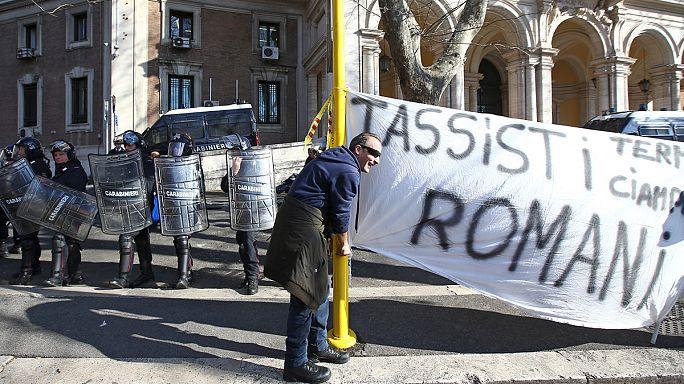 Protestos de taxistas italianos degeneram em Roma