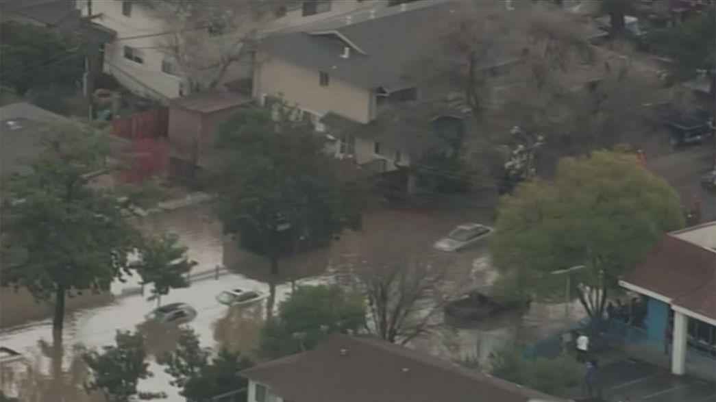 Inundações deixam Califórnia em alerta