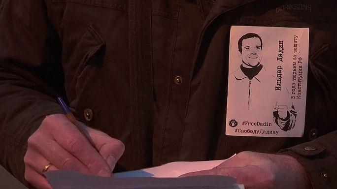 Rus aktivist Dadin'in hapis cezası iptal edildi