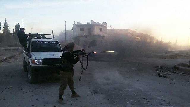 Syrian rebels clash with ISIL in northern Syria