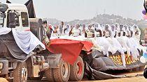 Ugandan mass wedding: 200 brides paraded on 5 flatbed trailers [Photos]