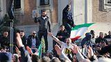 Taxistas italianos interrompem protestos à espera de leis que regulem Uber