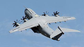 Fuerte bajada de beneficios de Airbus por las cargas de su avión de transporte militar A400M