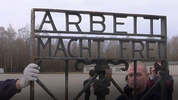 Gedenkstätte Dachau: Gestohlenes Tor ist wieder zurück