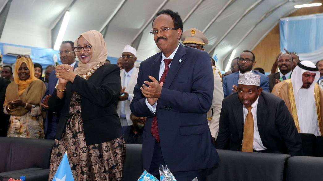 محمد عبد اللاهي يتسلم رئاسة الصومال