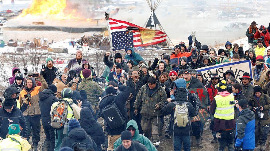 Северная Дакота: сиу уходят, сжигая вигвамы за собой