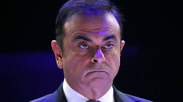 Carlos Ghosn deixa comando executivo da Nissan