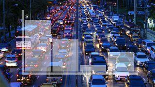 رانندگان در کدام کشورها بیشتر در ترافیک می مانند؟