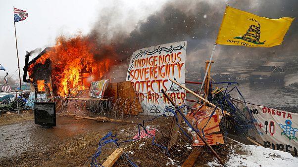 Desalojan a los últimos activistas contra el oleoducto Dakota Access