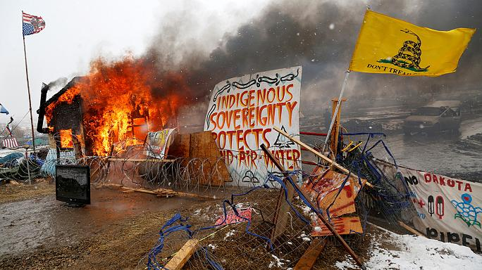 Kuzey Dakota boru hattı eylemcilerine polis müdahalesi
