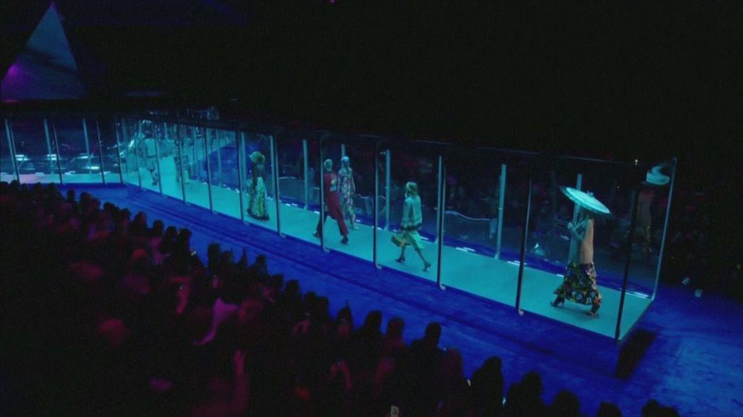 غوتشي تقدم أزياء مستقبلية في أسبوع الموضة في ميلانو