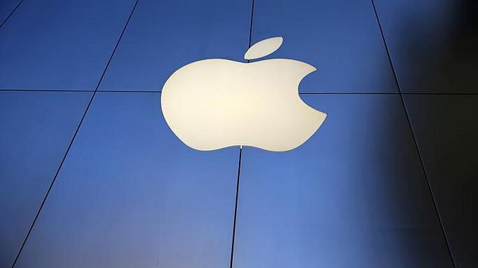 Apple iPhone anticipation pushes up share price