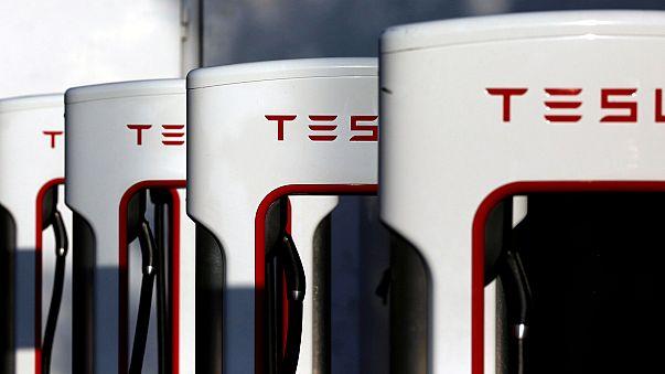 """Tesla sieht sich """"in der Spur"""""""