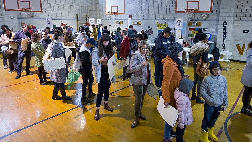 New York lawmakers approve election reforms, including early voting