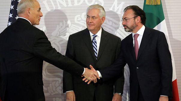 """México exprime """"preocupação e irritação"""" a Tillerson e Kelly"""