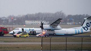 Avião da Flybe falha aterragem, passageiros não ganham para o susto