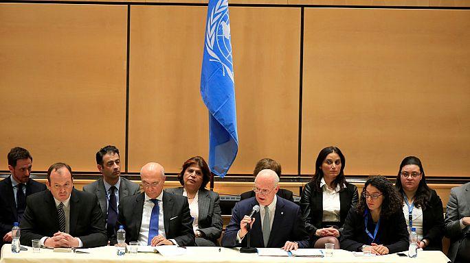 Suriye krizinin tarafları barış müzakereleri için Cenevre'de masaya oturdu