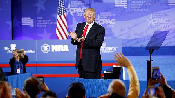 """CPAC: Trump promete não descansar até """"cumprir todas as promessas feitas na campanha"""""""