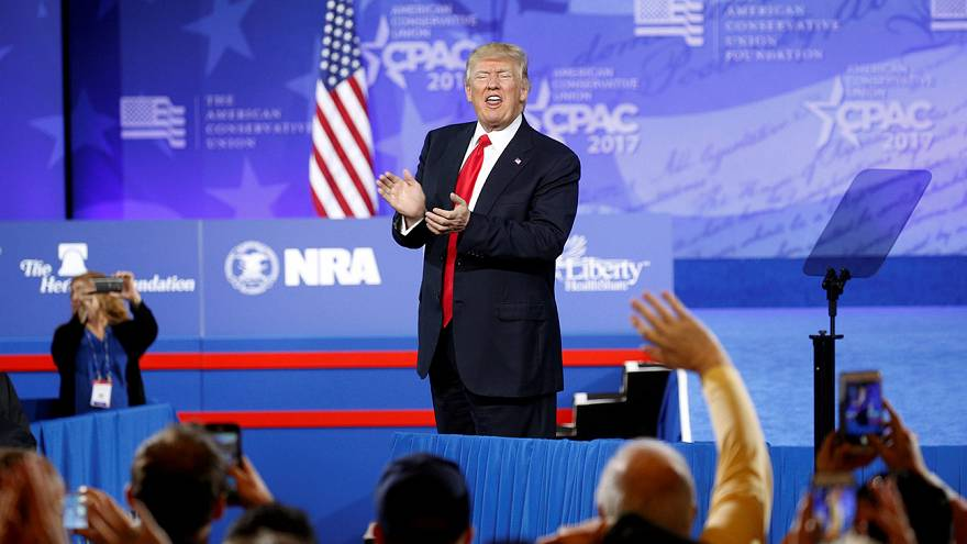 Die Mauer kommt früher: Donald Trump spricht auf dem Kongress der Konservativen