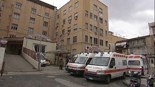 Detenidos 55 empleados de un hospital público de Nápoles por falsear su presencia en el trabajo