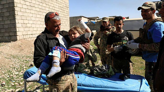 Irak ordusu Musul'un batısında ilerliyor