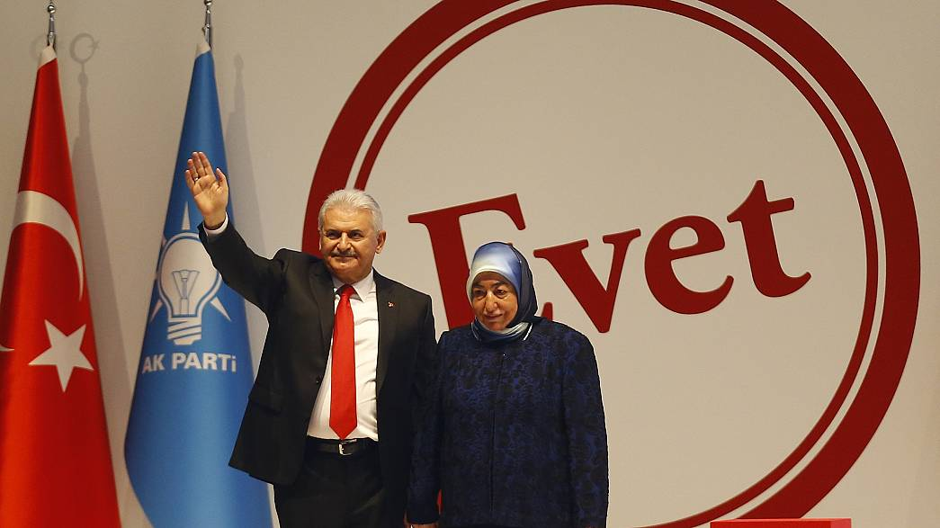 Estabilidade ou Autoritarismo: Turquia lança campanha para referendo de abril