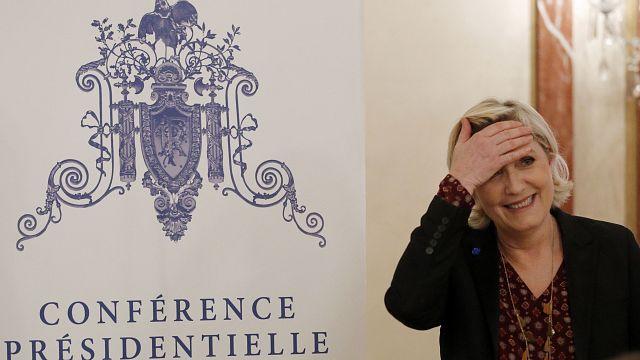 Fransa'da aşırı sağın cumhurbaşkanı adayı Le Pen'e yargıdan bir kötü haber daha