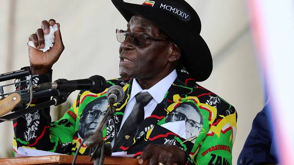 موغابي يحتفل بعيد ميلاده الثالث والتسعين