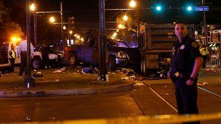 La Nouvelle-Orléans : un pick-up percute la foule du Mardi Gras