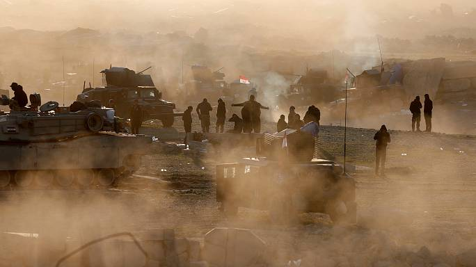 تقدم القوات العراقية غرب الموصل ترافقها أزمة نزوح