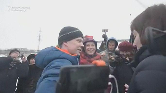المعارض الروسي دادين يخرج من السجن