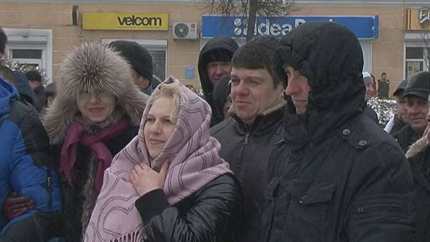 """La colère contre la """"taxe sur les parasites"""" se répand au Bélarus"""